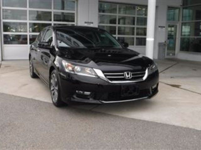 2015 Honda Accord Sport * Low Kms* in Coquitlam, British Columbia