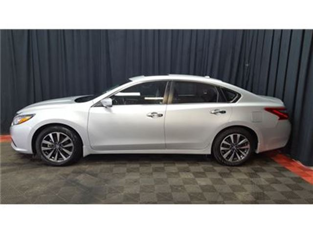 2016 nissan altima 2 5 sv w sunroof calgary alberta car for sale 2786107. Black Bedroom Furniture Sets. Home Design Ideas