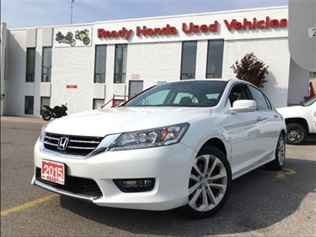 2015 Honda Accord  Touring - Navigation - Leather - Sunroof in Mississauga, Ontario