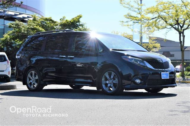 2015 Toyota Sienna Leather Interior, Back Up Cam, Power/Heated Fro in Richmond, British Columbia