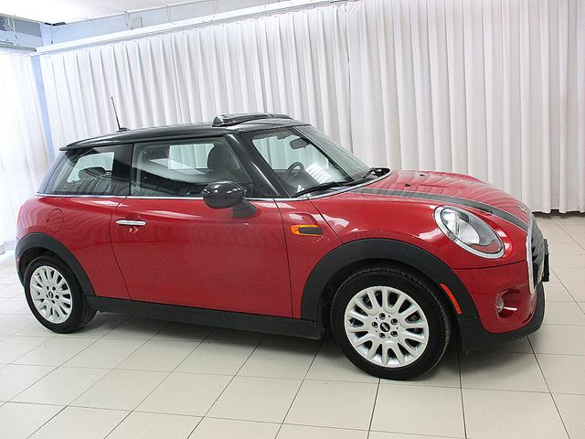 2016 MINI COOPER 3DR TURBO w/ MOONROOF, HEATED SEATS AND BLUETOO in Halifax, Nova Scotia