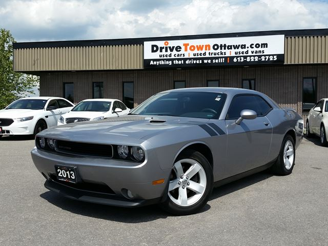 2013 Dodge Challenger SXT Plus **ONLY 22000KM** in Ottawa, Ontario