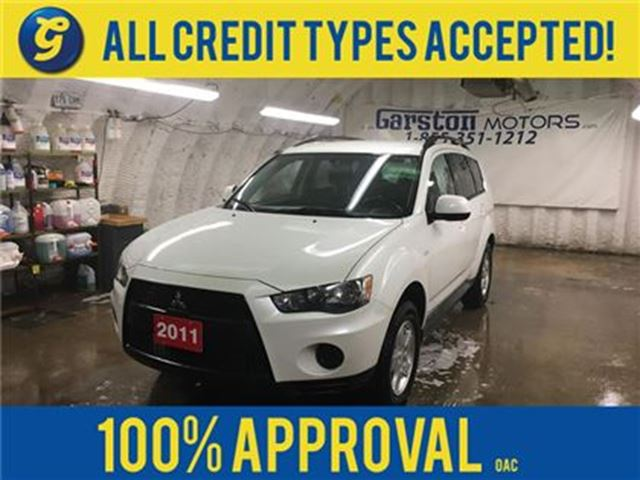 2011 Mitsubishi Outlander ES*KEYLESS ENTRY*HEATED FRONT SEATS*POWER WINDOWS/ in Cambridge, Ontario