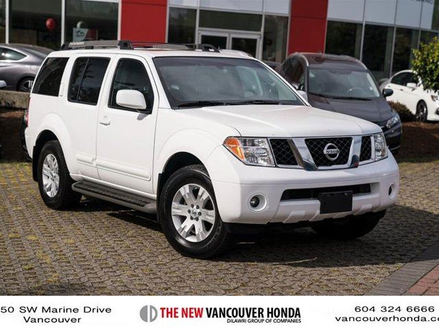 2005 Nissan Pathfinder LE at in Vancouver, British Columbia