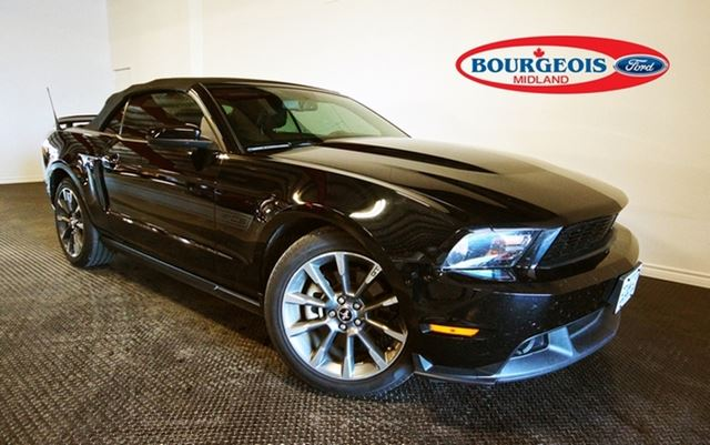 2012 Ford Mustang GT 5.0L V8 Convertible in Midland, Ontario