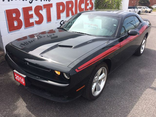 2016 Dodge Challenger R/T 5.7L HEMI, HEATED AND AIR CONDITIONED SEATS in Oshawa, Ontario