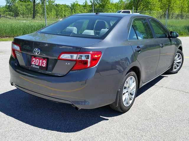 2013 toyota camry le lindsay ontario car for sale 2786196. Black Bedroom Furniture Sets. Home Design Ideas