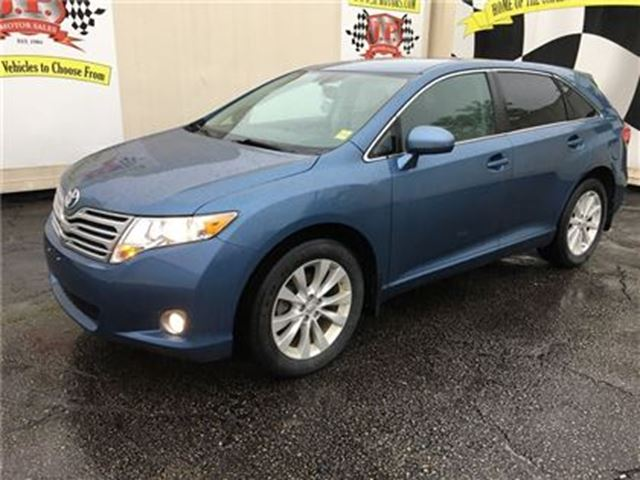 2011 Toyota Venza Automatic, Bluetooth, Only 92,000km in Burlington, Ontario
