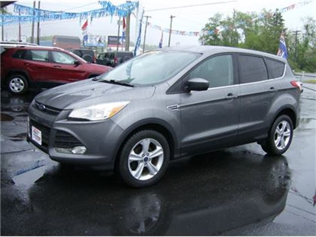 2014 FORD ESCAPE SE ECO BOOST SUPER SHAPE !! in Welland, Ontario