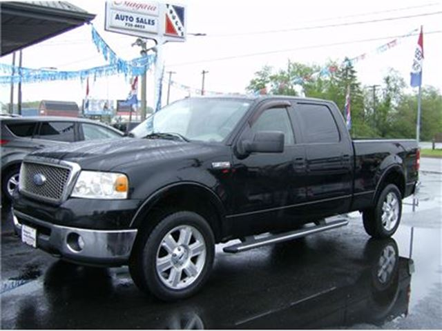 2008 FORD F-150 CREW CAB LARIAT 4X4 BEAUTIFUL !!! in Welland, Ontario