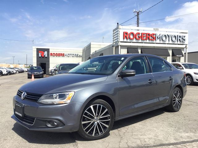 2014 VOLKSWAGEN JETTA TSI - LEATHER - SUNROOF in Oakville, Ontario