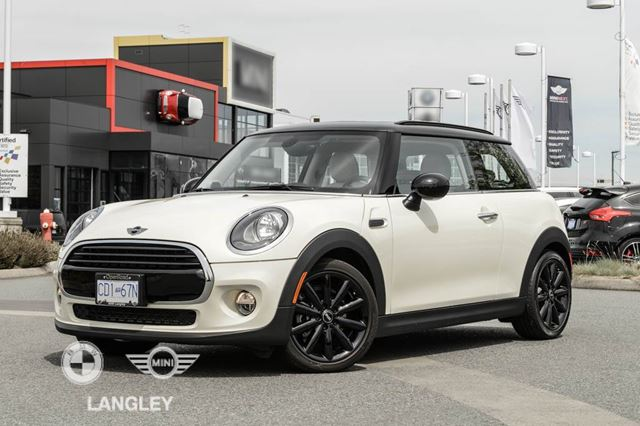 2017 MINI COOPER Essentials, Loaded and Wireless Navigation Pack in Langley, British Columbia