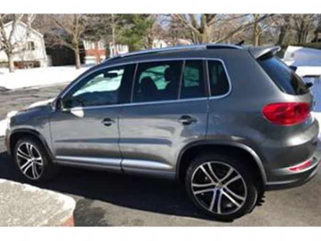 2017 VOLKSWAGEN TIGUAN R-Line 4MOTION iPhone Remote Starter in Mississauga, Ontario