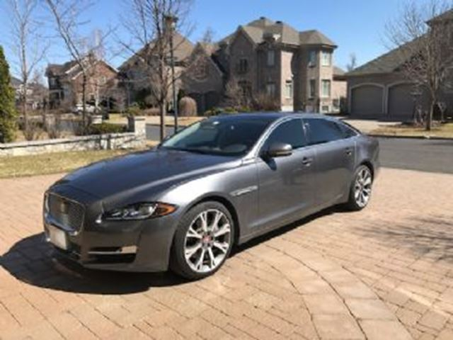 2016 JAGUAR XJ SERIES XJ L AWD Portfolio, Illumination Package in Mississauga, Ontario