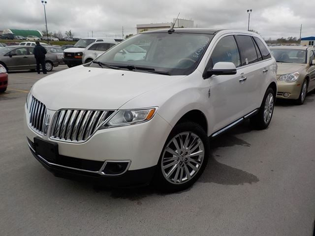 2013 Lincoln MKX           in Innisfil, Ontario