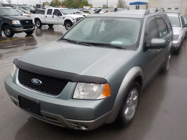 2007 FORD FREESTYLE SEL in Innisfil, Ontario