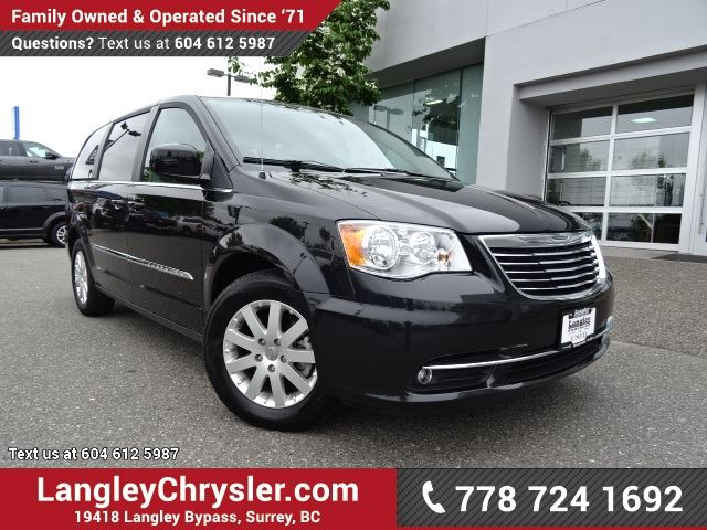 2016 CHRYSLER TOWN AND COUNTRY Touring in Surrey, British Columbia