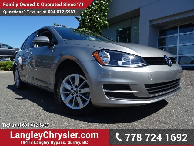 2016 VOLKSWAGEN GOLF 1.8 TSI Trendline ACCIDENT FREE w/ BLUETOOTH, HEATED FRONT SEATS & REAR-VIEW CAMERA in Surrey, British Columbia