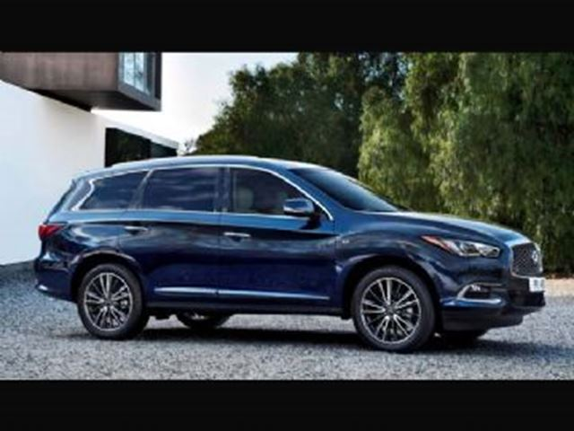 2017 INFINITI QX60 Premium & Driver Assistance Package in Mississauga, Ontario