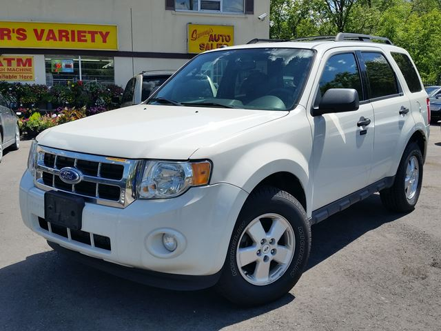 2011 Ford Escape XLT Leather Sunroof  in Dundas, Ontario