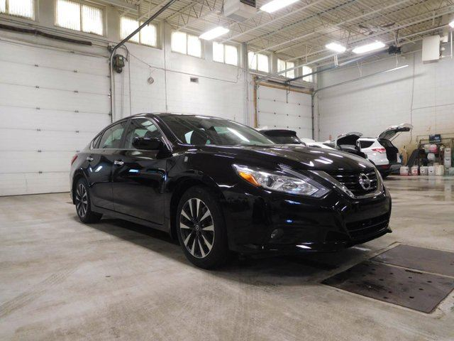 used 2016 nissan altima 2 5 sv 4dr sedan calgary. Black Bedroom Furniture Sets. Home Design Ideas