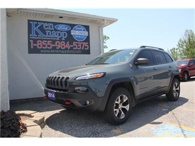 2014 JEEP CHEROKEE Trailhawk Edition LEATHER NAV in Essex, Ontario
