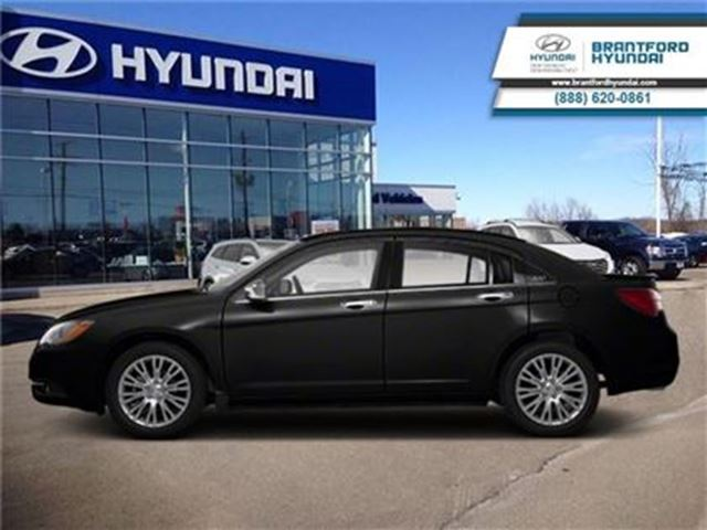 2013 CHRYSLER 200 Limited - Leather Seats -  Bluetooth -  Heated Sea in Brantford, Ontario