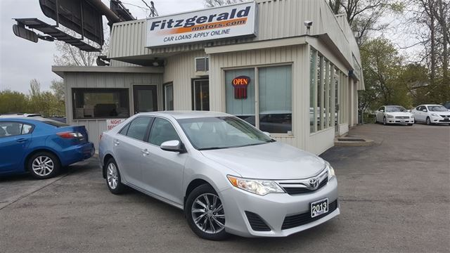2013 Toyota Camry LE - NAV! BACK-UP CAM! in Kitchener, Ontario