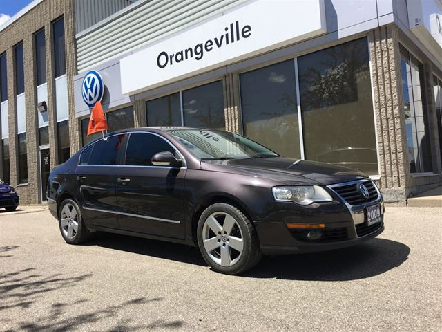2009 Volkswagen Passat 2.0T Comfortline  Leather Moonroof in Mono, Ontario