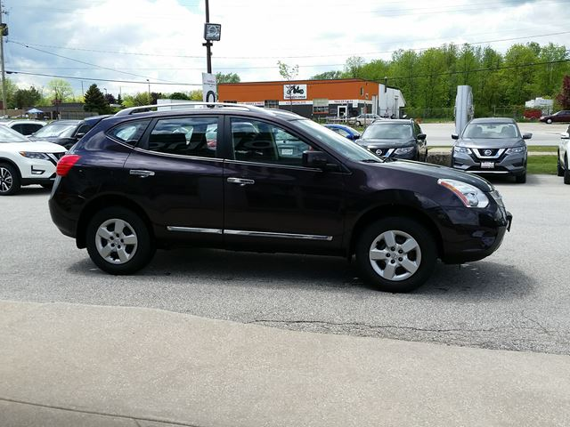 used 2011 nissan rogue s awd 1 owner collingwood. Black Bedroom Furniture Sets. Home Design Ideas