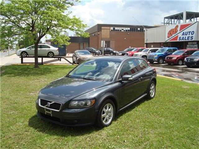 2009 Volvo C30 2.4i ~ SUNROOF ~ ALLOY WHEELS ~ POWER OPTIONS ~ in Toronto, Ontario