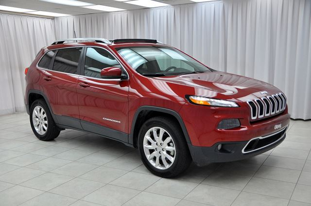 2016 JEEP CHEROKEE LIMITED V6 4x4 SUV w/ HEATED LEATHER & STEERING in Dartmouth, Nova Scotia