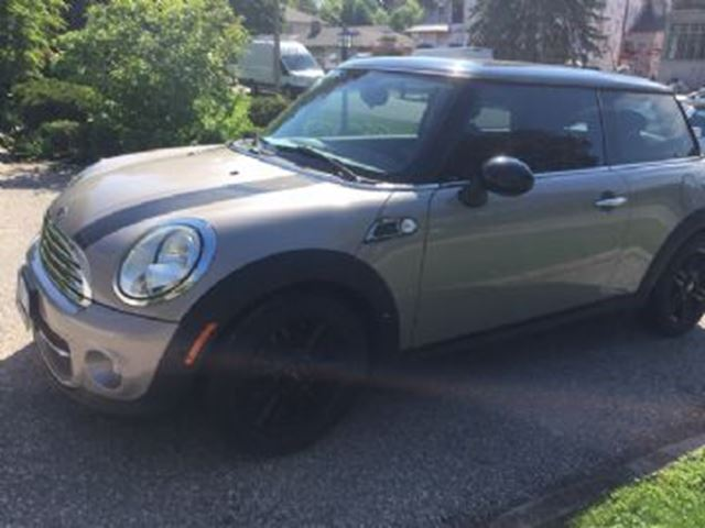 2013 MINI Cooper 2dr Cpe Baker Street Edition in Mississauga, Ontario