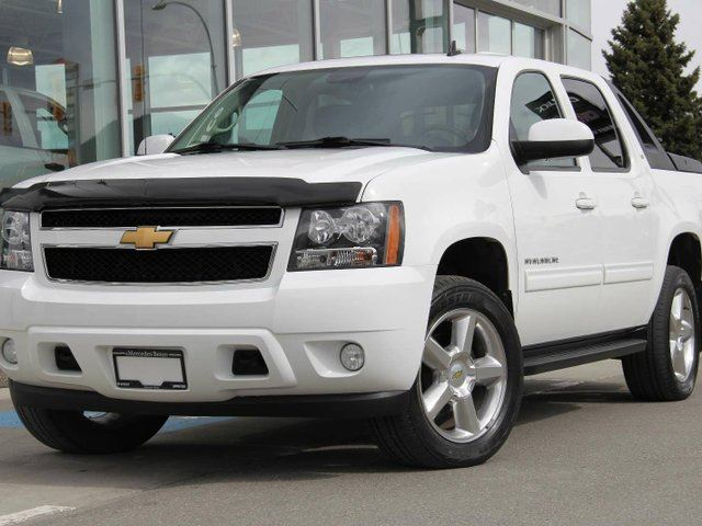 2012 CHEVROLET AVALANCHE 1500 Walk Around Video | Chevrolet Avalanche LT | Remote Start | Bluetooth | 20inch Polished Aluminum Wheels in Kamloops, British Columbia