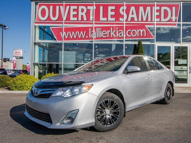 2012 Toyota Camry LE 4 CYLINDRES DEM. A DISTANCE OUVERT LE SAMEDI in Laval, Quebec