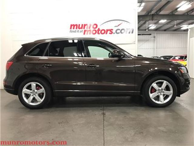 2012 AUDI Q5 2.0T Premium Plus Navigation Panoramic Sunroof in St George Brant, Ontario