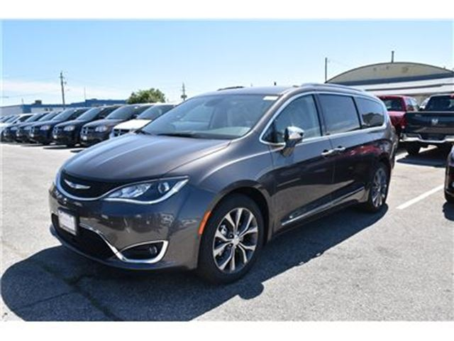 2017 chrysler pacifica limited concord ontario car for sale 2795241. Black Bedroom Furniture Sets. Home Design Ideas
