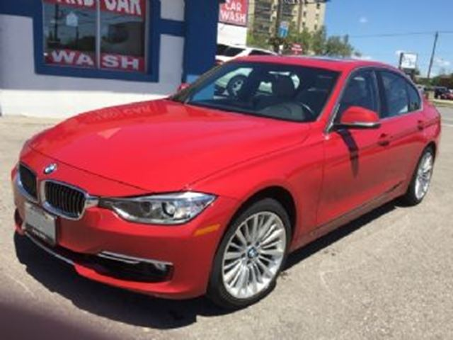 2015 BMW 3 Series 328i xDrive AWD Luxury Line w/Premium Package in Mississauga, Ontario
