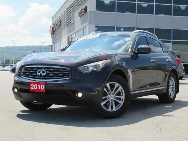 2010 INFINITI FX35 FULLY LOADED COMFORT!!! in Grimsby, Ontario