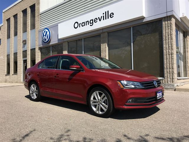 2016 Volkswagen Jetta 1.8 TSI Highline TECHNOLOGY PACKAGE in Mono, Ontario
