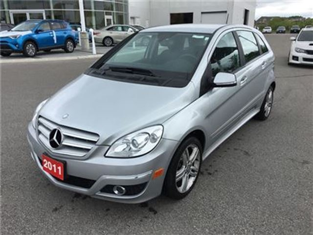 2011 MERCEDES-BENZ B-CLASS 200 - Low Kms! in Stouffville, Ontario