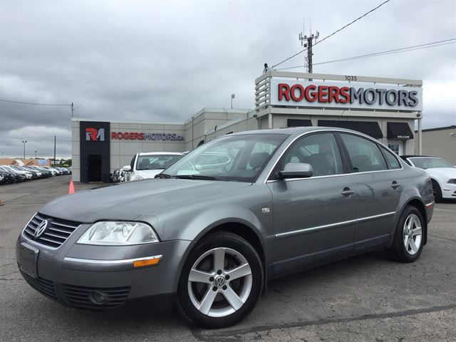 2004 Volkswagen Passat GLX - 5SPD - LEATHER - SUNROOF in Oakville, Ontario