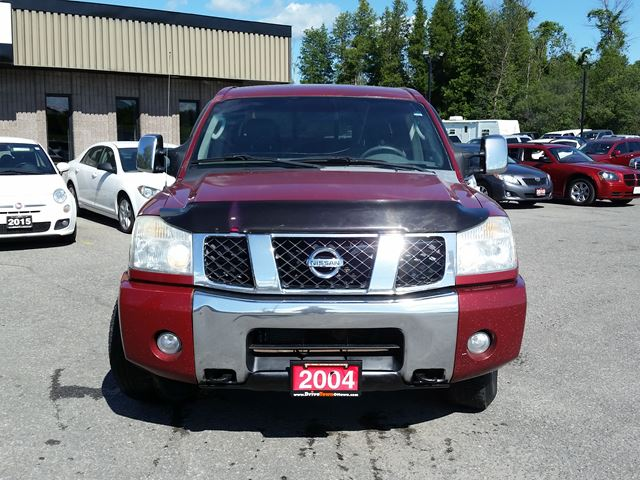 used 2004 nissan titan le crew cab 4x4 ottawa. Black Bedroom Furniture Sets. Home Design Ideas