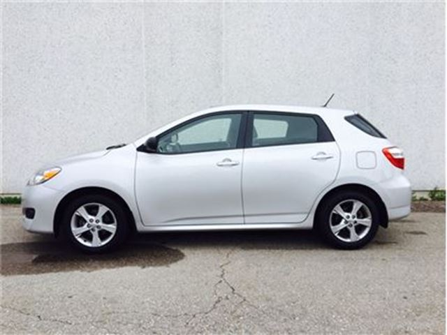 2012 Toyota Matrix One owner,Sunroof,Alloys.ULTRA  LOW MILEAGE in Vaughan, Ontario