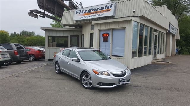 2014 ACURA ILX Premium Package - BACK-UP CAM! LEATHER! SUNROOF! in Kitchener, Ontario