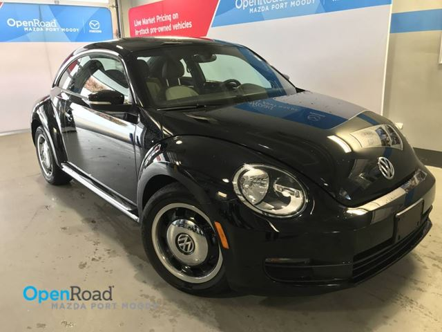 2015 VOLKSWAGEN NEW BEETLE  Comfortline A/T No Accident Local One Owner Blu in Port Moody, British Columbia