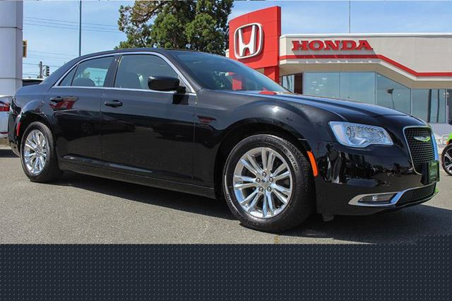 2016 CHRYSLER 300 Limited Bluetooth Leather PanaRoof in Victoria, British Columbia