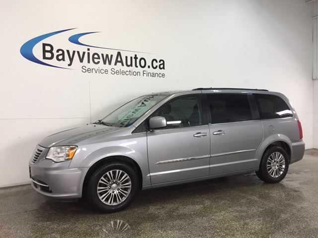 2014 CHRYSLER TOWN AND COUNTRY TOURING L- REM START! LEATHER! REV CAM! PWR DOORS! in Belleville, Ontario