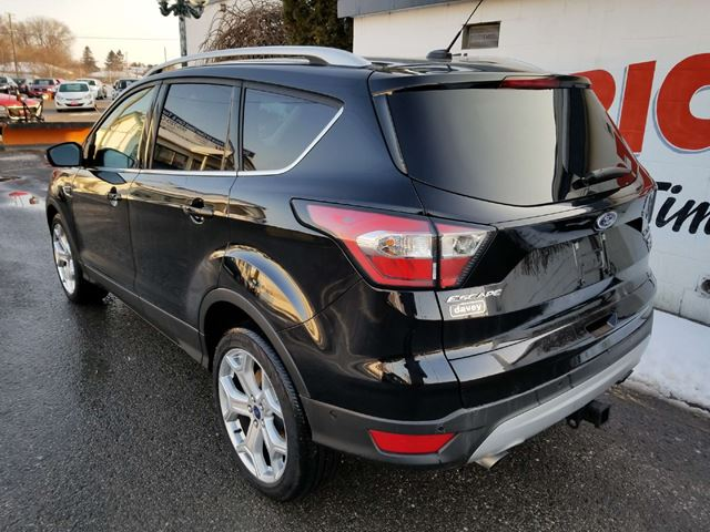 used 2017 ford escape titanium 4x4 tow package blind. Black Bedroom Furniture Sets. Home Design Ideas
