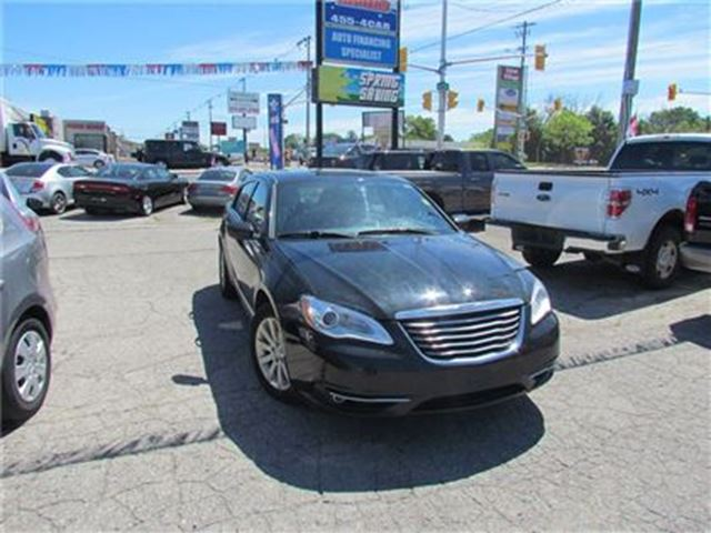 2013 CHRYSLER 200 TOURING   SAT RADIO   APPROVAL FOR ALL CREDIT in London, Ontario